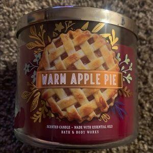 Warm apple pie 3 Wick